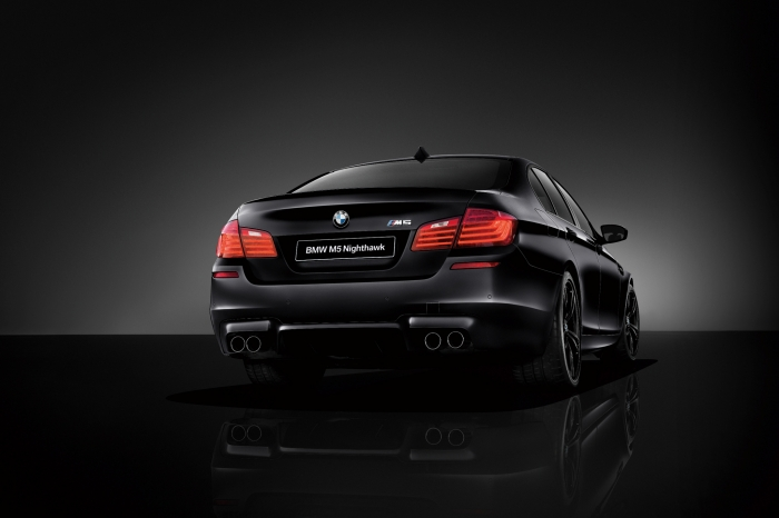 BMW M5 Nighthawk retro
